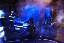 Požáry vozidel v Leštině.