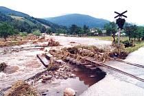 Krajinu po bitvě připomínalo okolí Loučné na Desnou, když voda 9. července 1997 opadla.