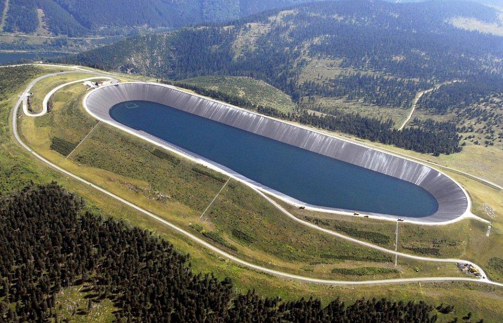 Horní nádrž přečerpávací vodní elektrárny Dlouhé Stráně.