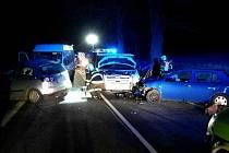 Srážka dodávky, mikrobusu a dvou osobních vozidel nedaleko obce Bukovice na Šumpersku