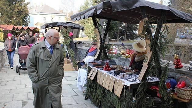 V Jeseníku se v pátek 2. prosince konal vánoční jarmark