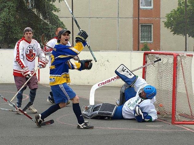Hokejbalový turnaj v Benátkách, zúčastnil se také tým DraFans Šumperk