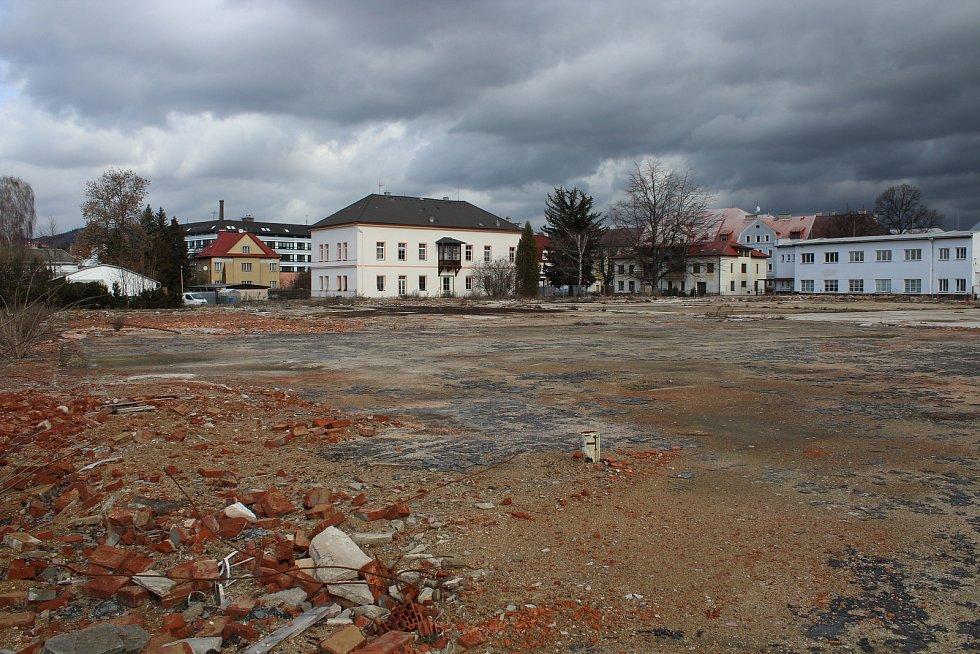 Pozemek po bývalé textilce Hedva v Šumperku.