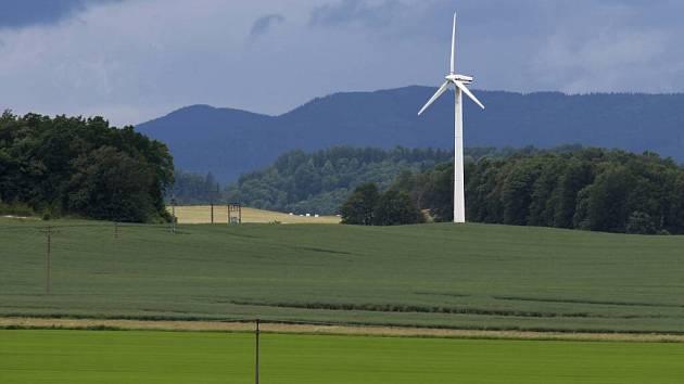 Větrná elektrárna ve Velké Kraši v červnu 2016.