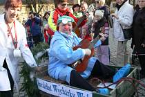 Cenu za nejlepší masku si odnesl tým šumperských turistek IWW, který ovšem co do rychlosti skončil poslední, neb zvolil procházkové tempo.