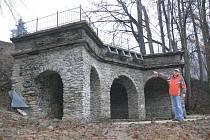 Umělá jeskyně v prosinci 2009