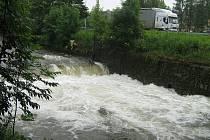 Řeka Bělá zachycena v pátek 26. června odpoledne