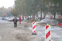 V horní části sídliště Prievidská pokračuje oprava cest.