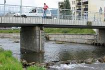 Podnikatele, kteří mají úbytek vody na svědomí, čekají citelné sankce.