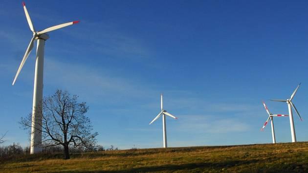 Z obřích větrníků mají obavy místní lidé, bojí se nadměrného hluku.
