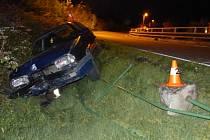 Devatenáctiletý řidič havaroval v Bělé pod Pradědem.