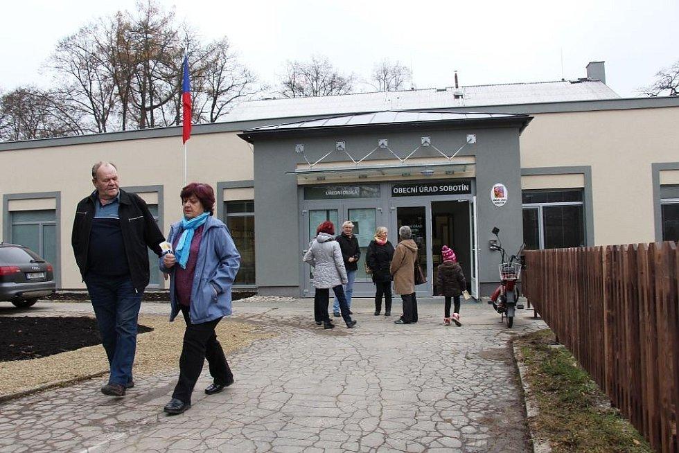 Obyvatelům Sobotína slouží nový obecní úřad.