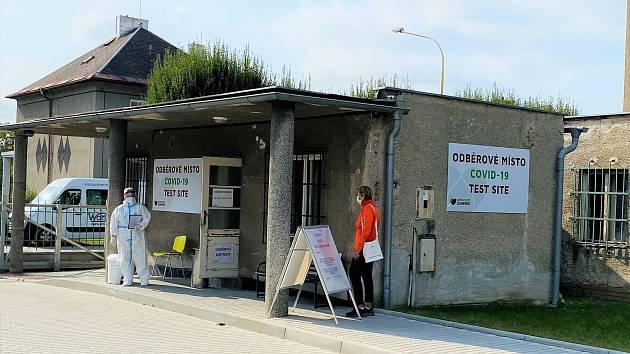 Odběrové místo na koronavirus v šumperské nemocnici.