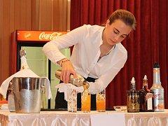 Barmanskou disciplínu Junior Cocktail Competition soutěže Lázeňský pohár 2017 vyhrála Eva Drtilová.