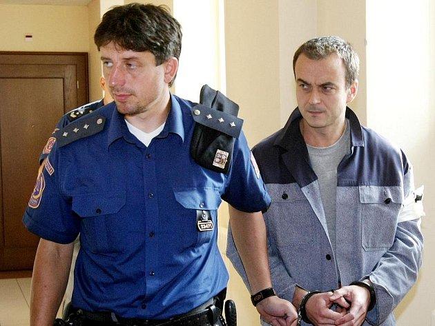 Zdeněk Lang u soudu v Hradci Králové