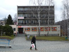 Bývalý hotel Vesmír v Žulové kupuje město. Zřídit zde chce bydlení pro seniory.