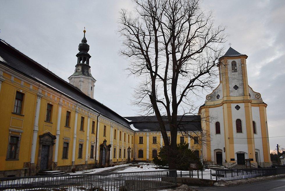 Bílá Voda - piaristický klášter a kostel.