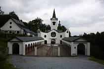 Poutní kostel Panny Marie Pomocné u Zlatých Hor.