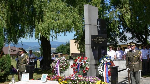 Památník obětem vyvražděného Českého Malína při pietě v roce 2010