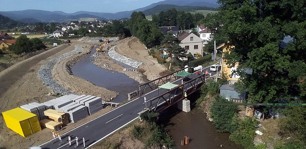 Stavba nových mostů vPetrově nad Desnou zavřela silniční tah I/11 mezi Šumperkem a Rýmařovem