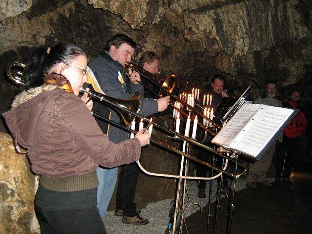 Slavnostní otevření zrekonstruované jeskyně Na Špičáku