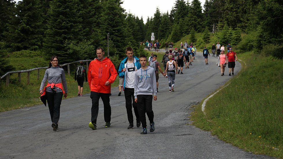 Turistický ruch v okolí Pradědu. Ilustrační foto