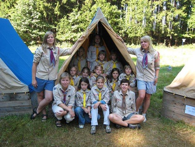 Děti si ze skautského tábora přivezly klíšťovou encefalitidu.