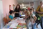 Zápis do mímokolních kroužků, spojený s otevřením nových učeben  na zábřežské ZŠ a DDM Krasohled si ve čtvrtek 5. září děti  i rodiče užily.