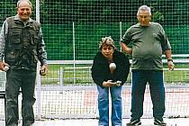 Senioři z Mikulovic hrají petanque