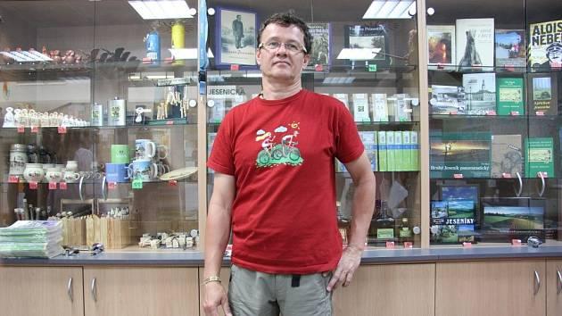 Provozovatel Informačního centra Jesenicka Marcel Šos.