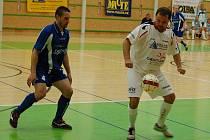 Šumperští futsalisté (bílé dresy) porazili Agromeli Brno