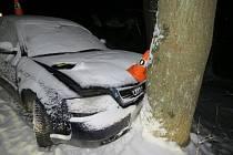 Řidička v Travné u Javorníku havarovala na zasněžené vozovce.