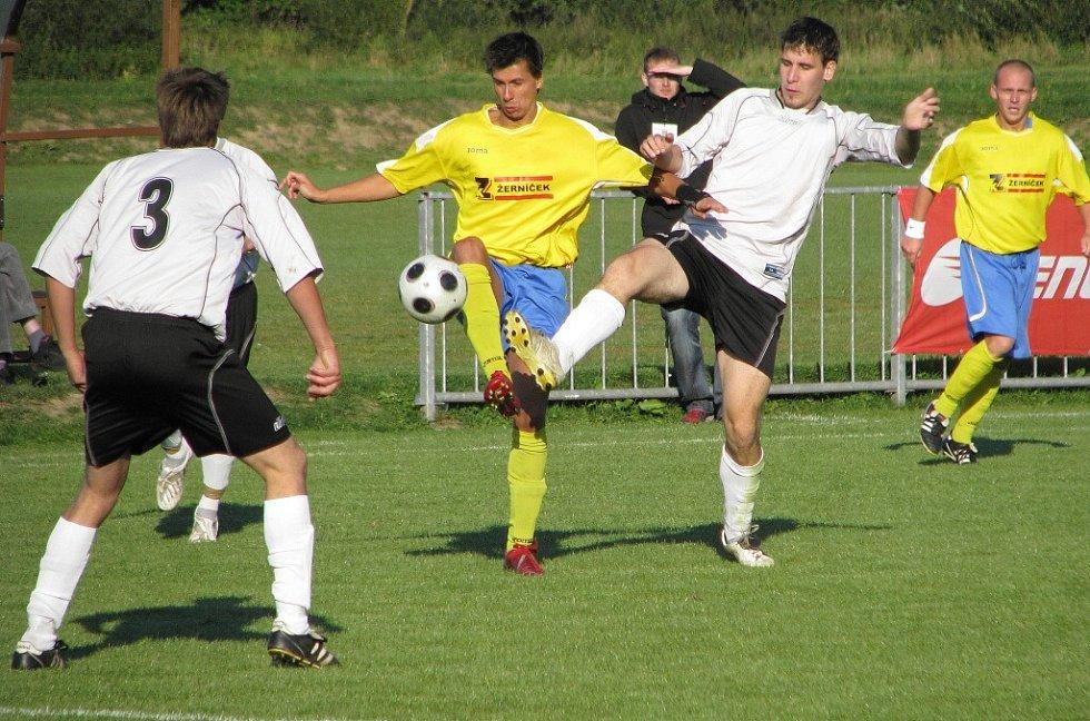 Štíty - Vikýřovice (Štíty žluté dresy).