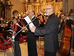 Česká vánoční mše Jana Jakuba Ryby rozezněla na první svátek vánoční klášterní kostel v Šumperku