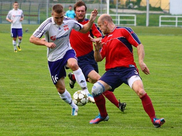 Mohelnice versus Mikulovice (červené dresy).