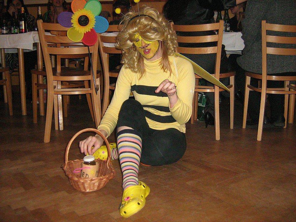 Včela v říji