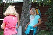 Setkání majitelů volně létajících papoušků na přehradě Krásné u Šumperku.
