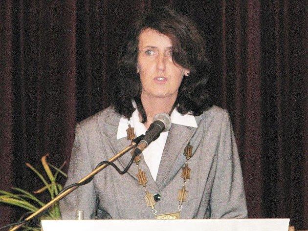 Novou starostkou Loštic se na ustavujícím zasedání zastupitelstva 10. listopadu večer stala Šárka Havelková Seifertová.