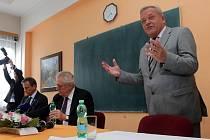 Jan Jedlička a prezident Miloš Zeman při jeho návštěvě jesenické nemocnice.
