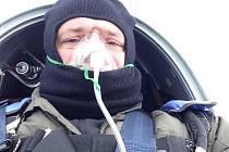 Martin Chovan v kokpitu bezmotorového letadla.