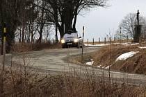 Silnice z Loučné nad Desnou přes Přemyslovské sedlo do Nových Losin patří k nejhorším v regionu.