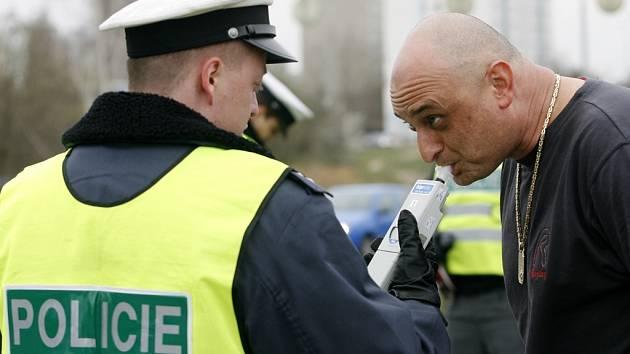 Nový silniční zákon přinesl úbytek nehod a méně přestupků.
