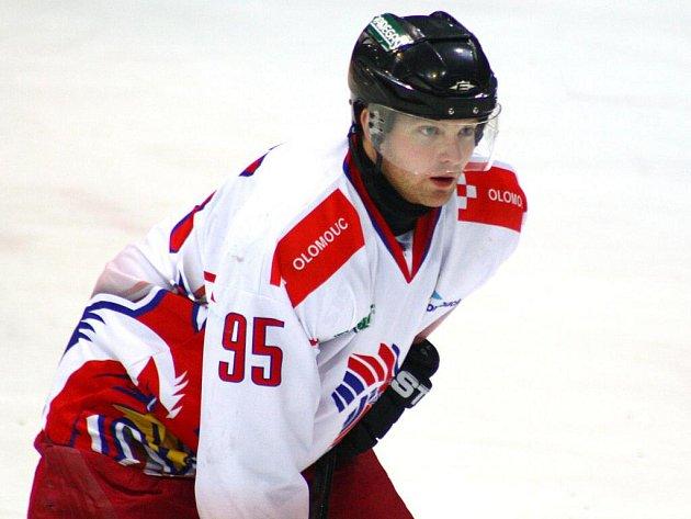 Matěj Pekr během utkání Draků s Olomoucí