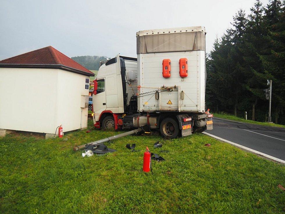 Havárie kamionu ve středu 14. července v Petrově nad Desnou.