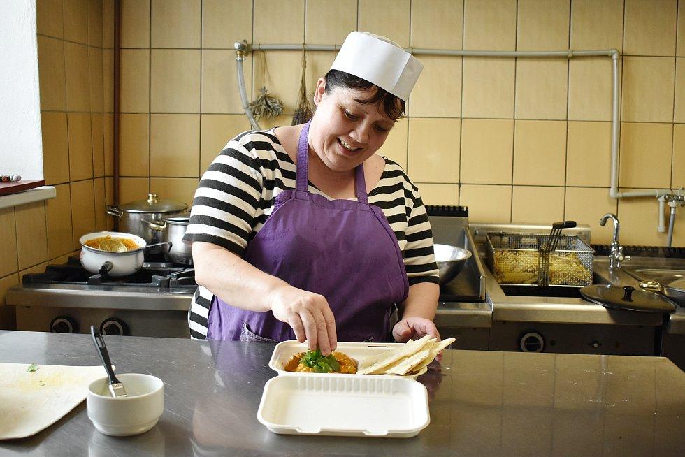Levandulové bistro v Úsově vaří v pátky a o víkendech. Pro zákazníky má připravené i sladké dezerty, domácí limonády, punče a pivo.