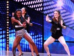 Esther Lubadika předvedla v semifinále pěveckou i taneční show.