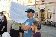 Demonstrace proti Babišovi na Točáku v Šumperku - 11. 6. 2019