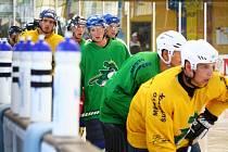 Šumperští hokejisté absolvovali v neděli v podvečer první trénink na ledě.