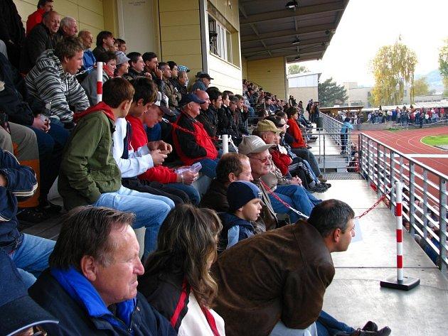 Do ochozů šumperského Tyršova stadionu přišlo devět stovek platících diváků.