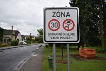 Zóna 30 v Postřelmově.